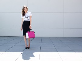 pink michael kors bag, professional style, pop of pink, how to style a t shirt