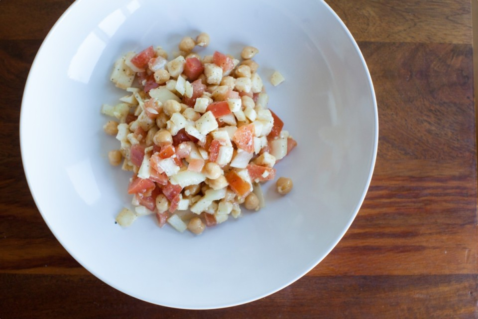 crisp mozzarella chickpea salad recipe